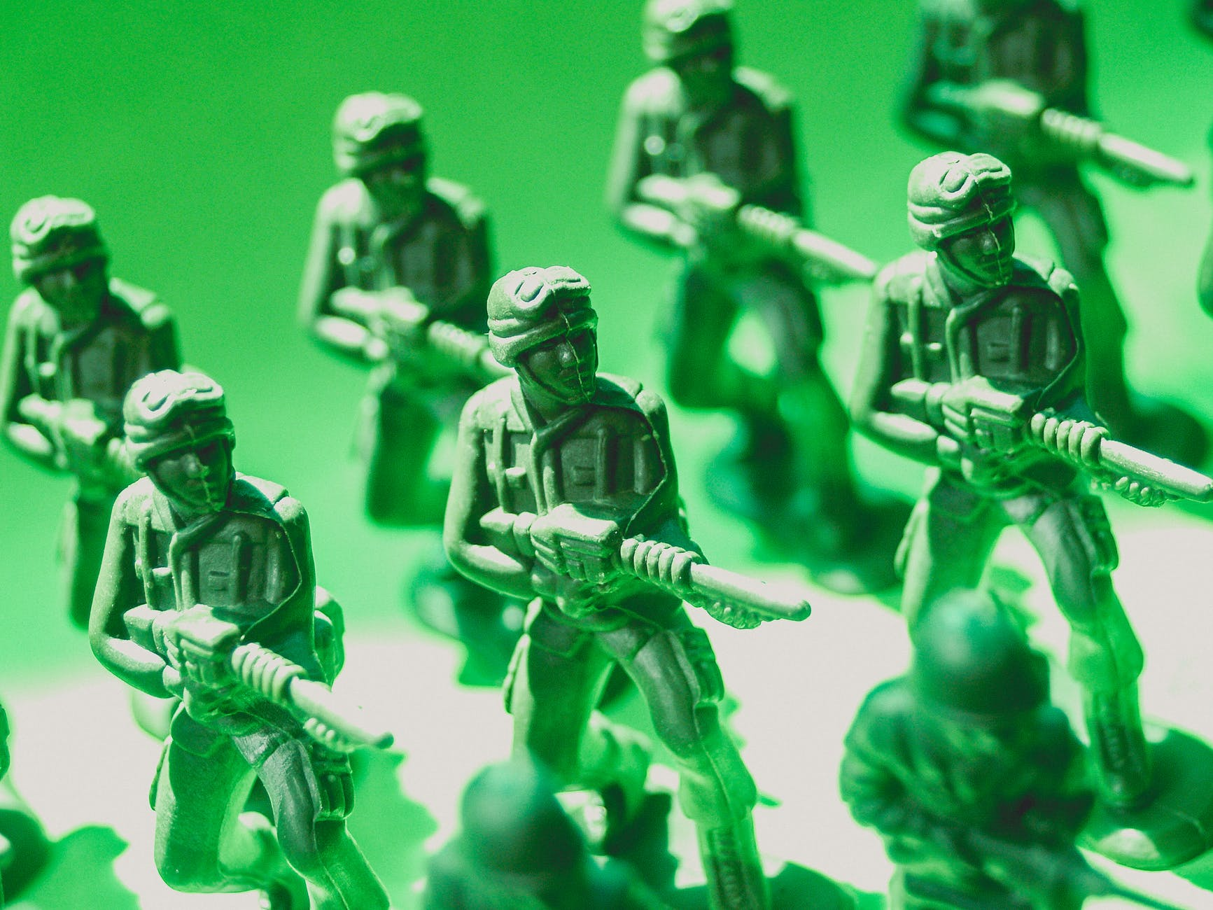 toy soldiers macro photo